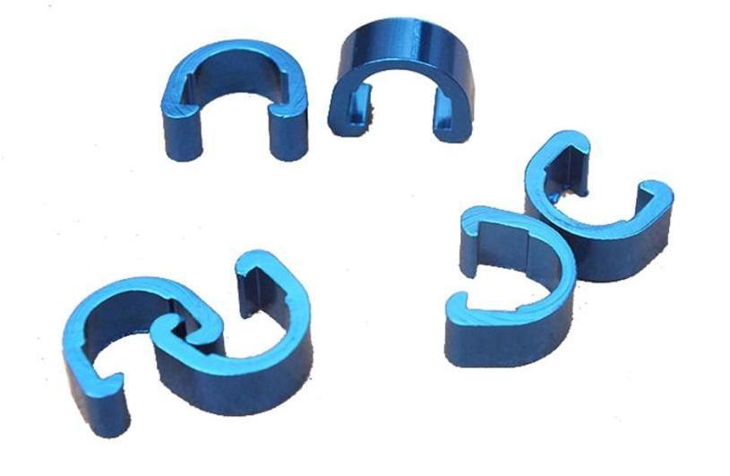 Příchytka hydraulické brzdové hadice a bowdenu podkova AL modrá 1ks Velo