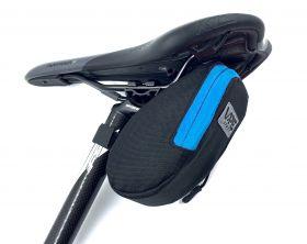 Brašna Vape M2 pod sedlo 17x8x7 cm reflex logo sv. modrá